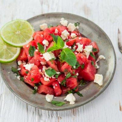 #stayhome Unsere Lieblingsrezepte: Wassermelonen-Schafskäse-Minze Salat